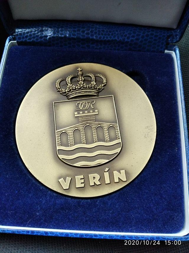 medalla ayuntamiento de verin
