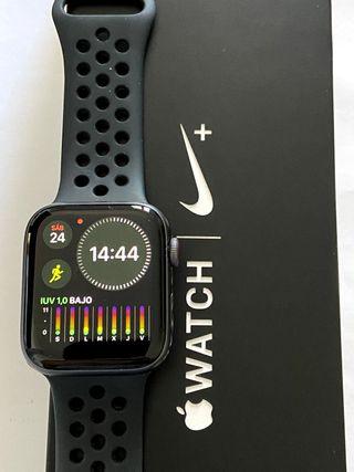Apple Watch 4 Nike+ LTE Celular 44mm