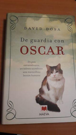 Libro: De Guardia con Óscar- Tapa Dura