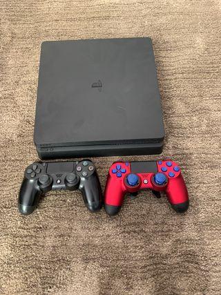 PS4 Slim 500 GB con mando de PS4 y Scuf
