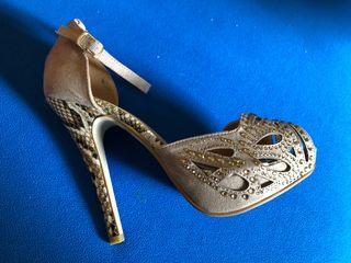 Zapatos fiesta Talla 39 Taupe tacón