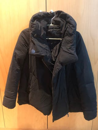 Abrigo plumas negro Zara