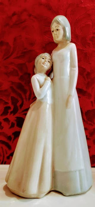 Figura porcelana Madre e hija