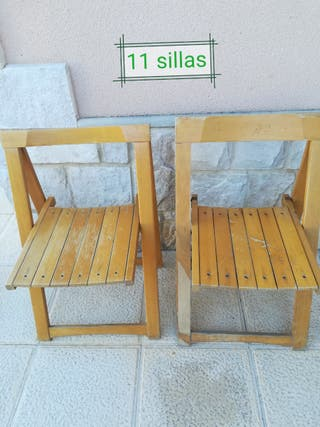 14 sillas madera plegables.