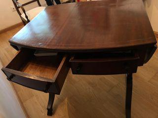 Mesa de madera vintage con lados abatibles
