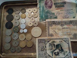 Billetes y monedas españolas.