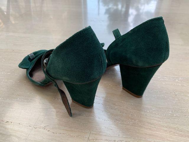Zapatos de piel color verde talla 36