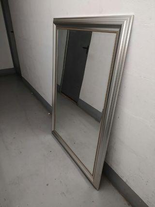 Espejo grande con marco