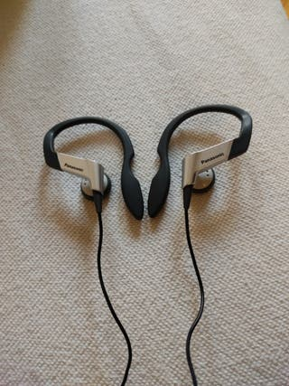 Auriculares Panasonic con cable para deporte