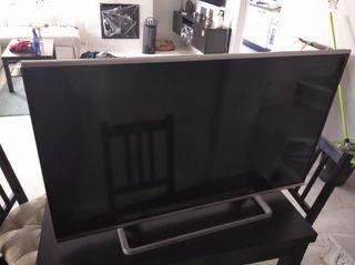 Televisión de 40 pulgadas smart TV.
