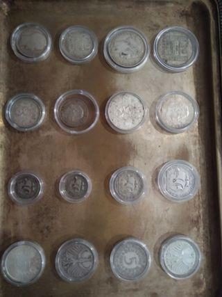 16 monedas de plata europeas.