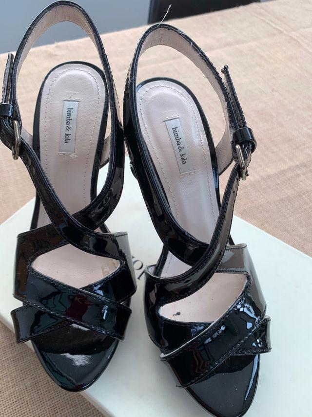 Zapatos Bimba y Lola charol talla 35