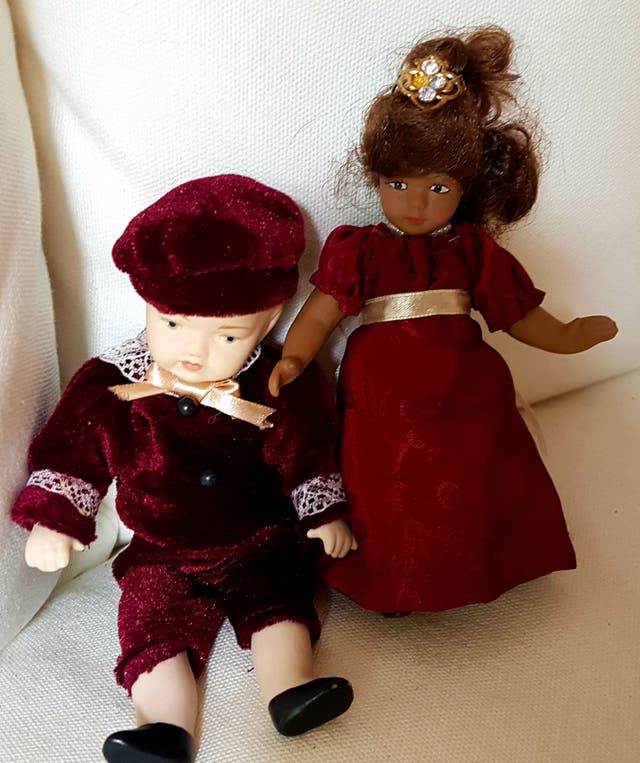 Muñecas porcelana miniatura