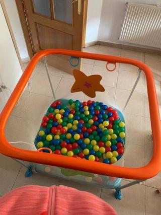 Parque de juego con bolas