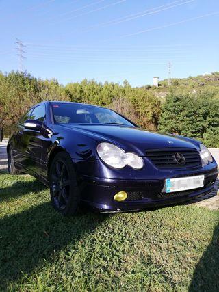 Mercedes-Benz Clase C 220 cdi 2001.