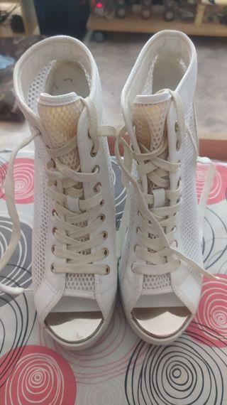 Zapatos tipo botin Aldo