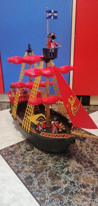 barco ingles con muñecoS