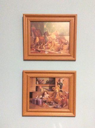Percha y cuadros para habitación infantil