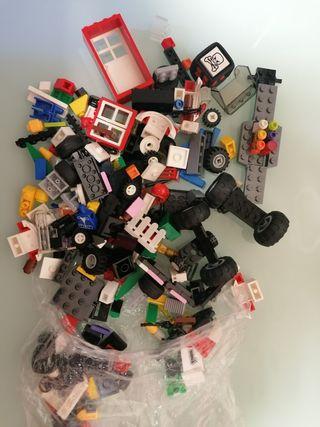 Lego muchas piezas