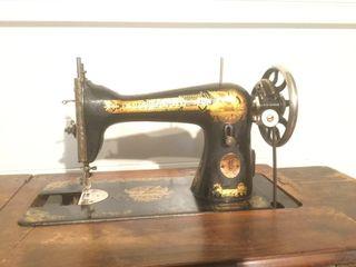 Máquinas de coser Singer antigua