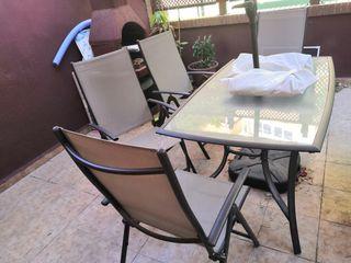 mesa, sillas, parasol