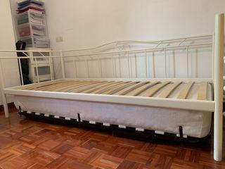 Cama Diván Ikea + somier bajo cama y colchon