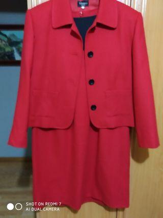 se vende traje de vestido chaqueta