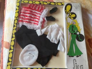 Antiguo traje muñeca Lissi