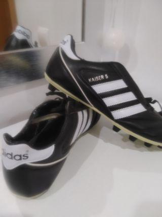 deportivas futbol Adidas núm. 43.5