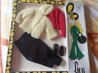 Antiguo traje de la muñeca Lissi