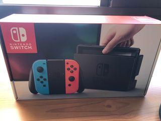Nintendo Switch + funda y protector de cristal.
