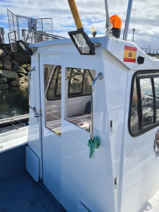 Embarcación Orca 620 y plaza de amarre de 8 m