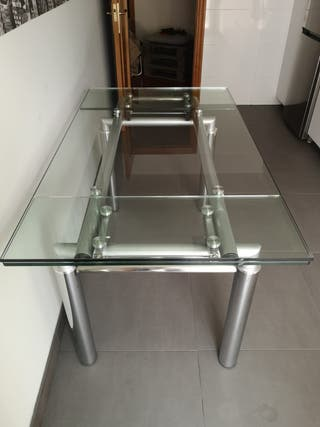 Mesa de comedor diseño cristal