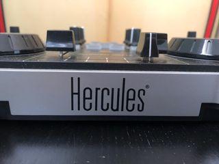 Mesa Mezcla Hercules DJControl mp3 le