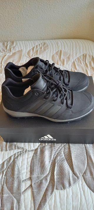 Adidas Daroga Plus Lea Número 42.