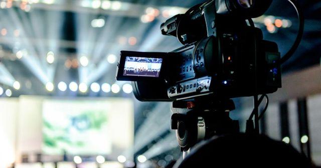 Servicio de transmisión y producción de eventos