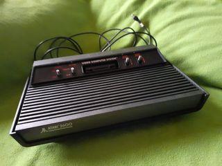 Antigua y Original Consola Atari