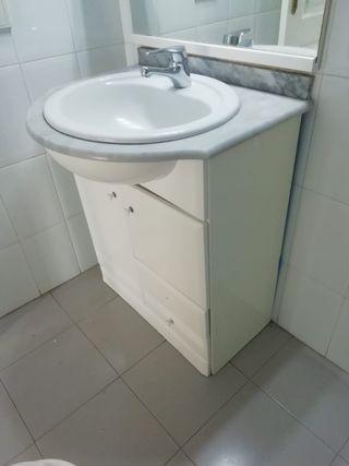 Urge vender: Mueble de baño