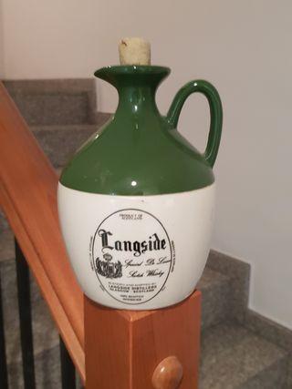 botella vintage de whisky