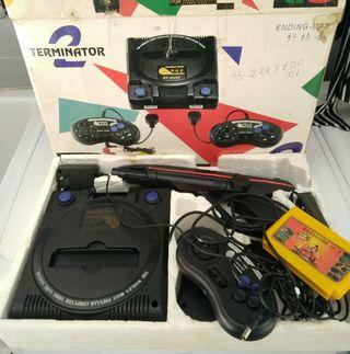 Consola antigua con varios juegos