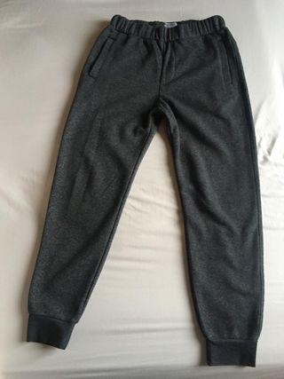 pantalón tipo chandal