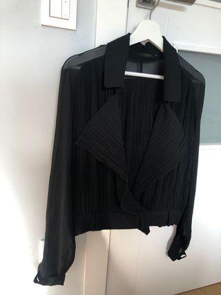 Blusa negra con transparencias - marca COS