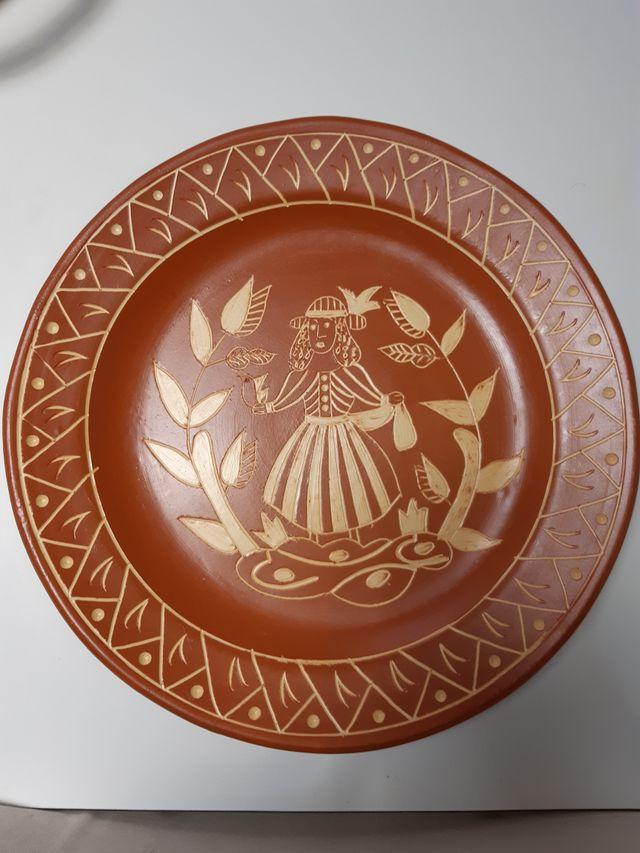 Platos de cerámica Portaceli (6 ud., distintas)