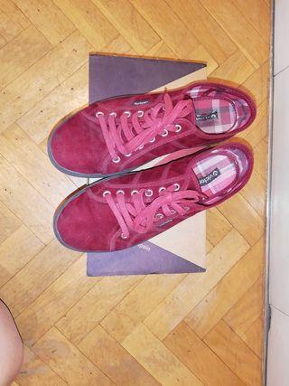 Zapatillas Victoria burdeos con plataforma