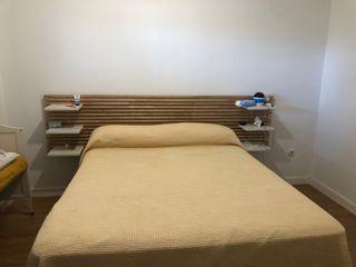Cabecero de cama perfecto de bambú sostenible.