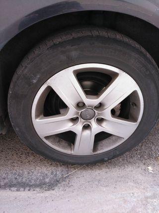 llantas con neumáticos Audi