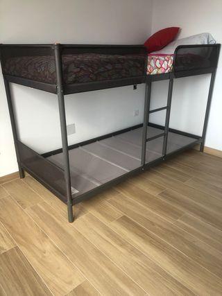 Litera gris IKEA