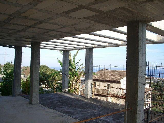 venta chalet en estructura (Torre de Benagalbón, Málaga)