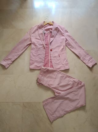 Conjunto chaqueta y pantalón rosa