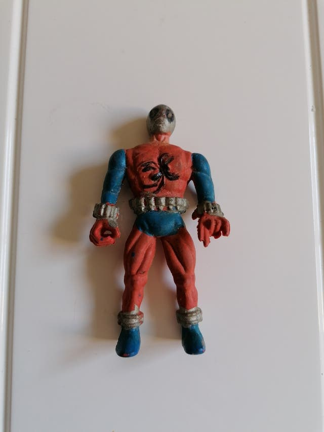 figura antigua spiderman